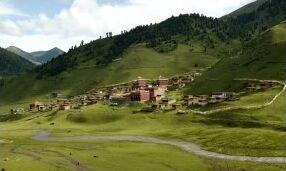 Shechen Monastery in Tibet